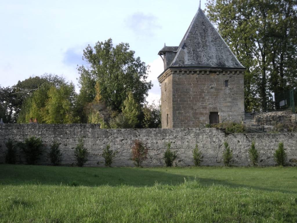 Culture et patrimoine - Lieux à découvrir - Tour Porte de Bourgogne
